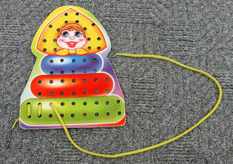 Шнуровка многодырчатая - Матрёшка. От 1,5 лет. Россия - Мы работаем для Вас с 1988 года